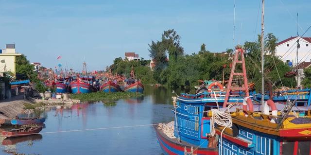 Thanh Hóa cấm biển, Nghệ An sẵn sàng phương án di dời 26 nghìn dân - 4
