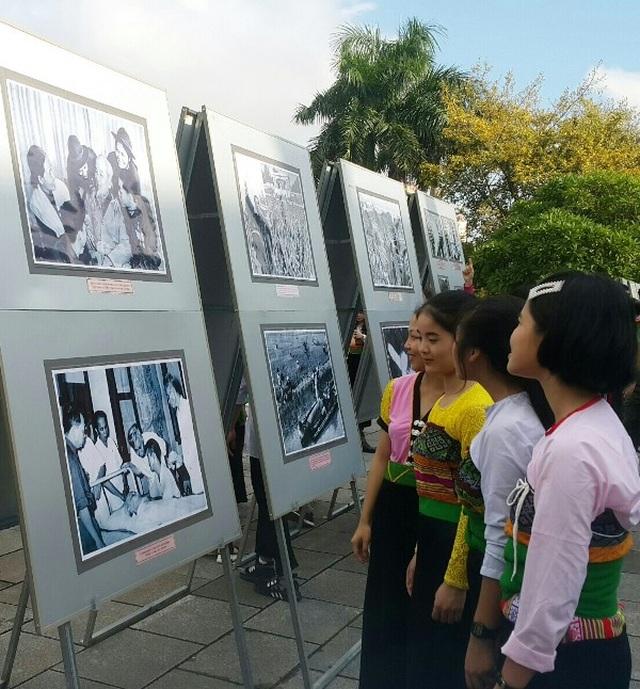 """Trưng bày chuyên đề """"Bác Hồ với Thanh Hóa - Thanh Hóa 50 năm thực hiện Di chúc của Bác"""" - 2"""