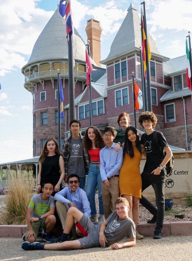 Amser 16 tuổi nhận học bổng 70.000 USD từ trường THPT nội trú danh giá Mỹ - 2