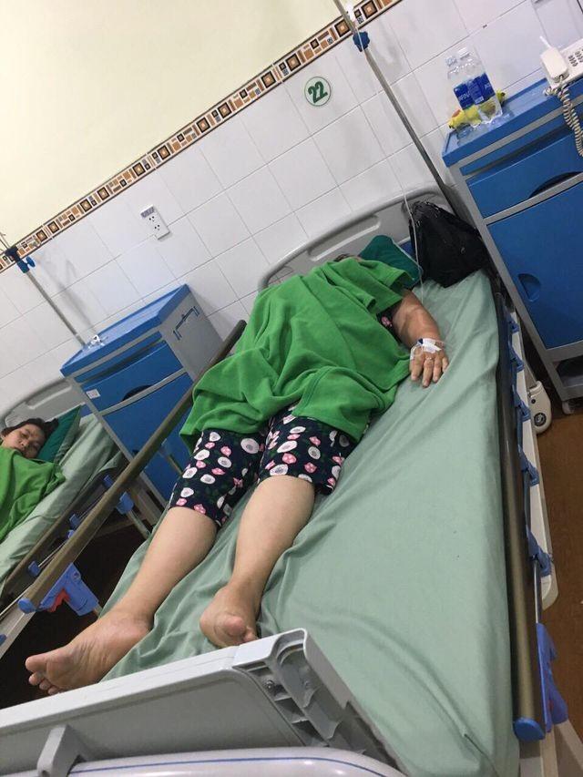 Vụ nhóm du khách nhập viện sau bữa đặc sản: Mẫu thịt heo luộc nhiễm E.Coli - 1