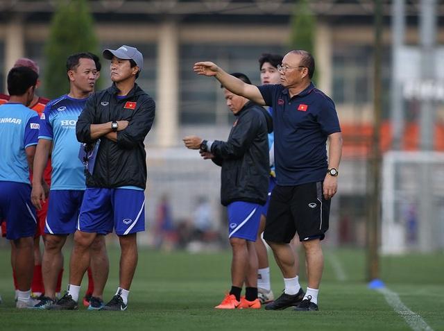 Đội tuyển Việt Nam đóng cửa, tập bài tủ chờ đấu Thái Lan - 1