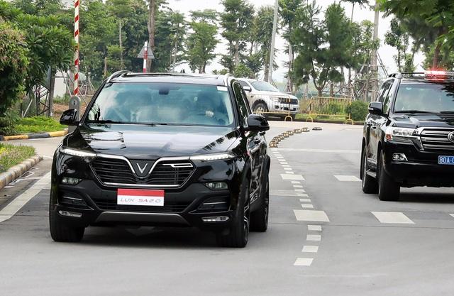 Thủ tướng Malaysia lái thử xe VinFast Lux tại Hà Nội - 3