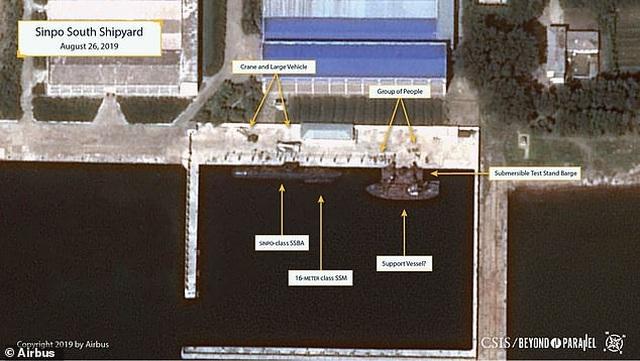 Triều Tiên có thể đang đóng tàu ngầm phóng tên lửa hạt nhân - 1