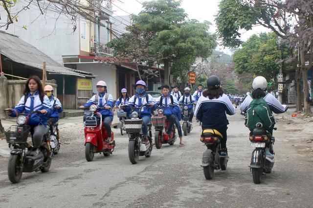 Honda Việt Nam chung tay trao gần 2 triệu mũ bảo hiểm, chào đón trẻ lớp 1 vào năm học mới - 1