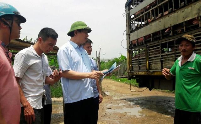 """Giám đốc Sở nông nghiệp Thanh Hóa """"đột kích"""" cơ sở giết mổ lợn giữa thành phố - 1"""