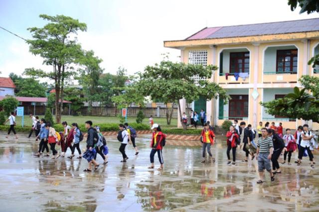 Quảng Bình: Chủ động cho học sinh nghỉ học để đảm bảo an toàn trong bão số 4 - 2