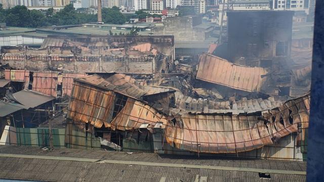 Vụ cháy công ty Rạng Đông: Việc tẩy độc môi trường rất phức tạp - 3