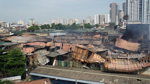 Binh chủng Hóa học có thể tẩy sạch chất độc quanh khu vực cháy Công ty Rạng Đông - 1