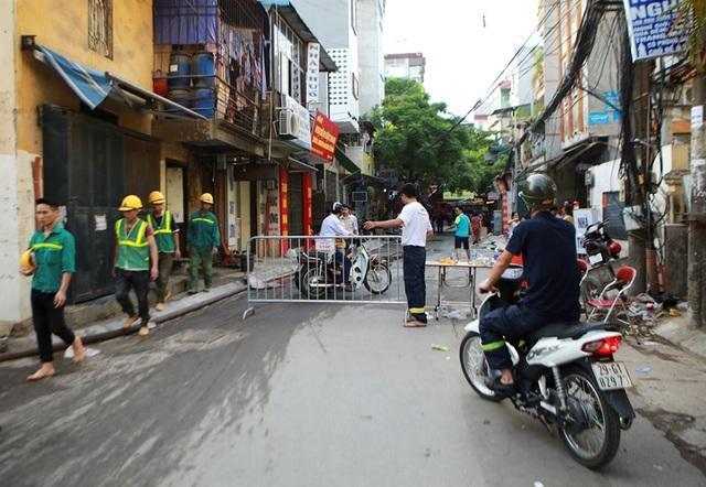 Cảnh đổ nát sau vụ cháy nhà máy bóng đèn Rạng Đông - 8