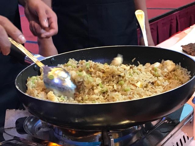 Vua đầu bếp Chan KwokKeungkhen nức nở món ăn Việt - 3