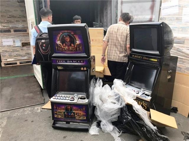 """Doanh nghiệp nhập cả container máy đánh bạc cũ nhưng khai báo là """"bàn làm việc"""" - 1"""