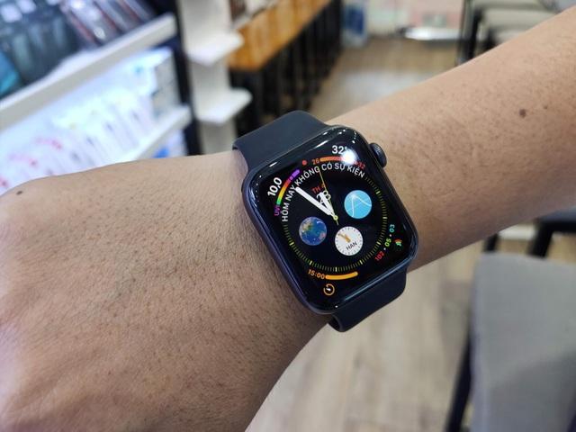 iPhone mới ế ẩm, các cửa hàng chuyên Apple đang sống nhờ vào thiết bị này - 1