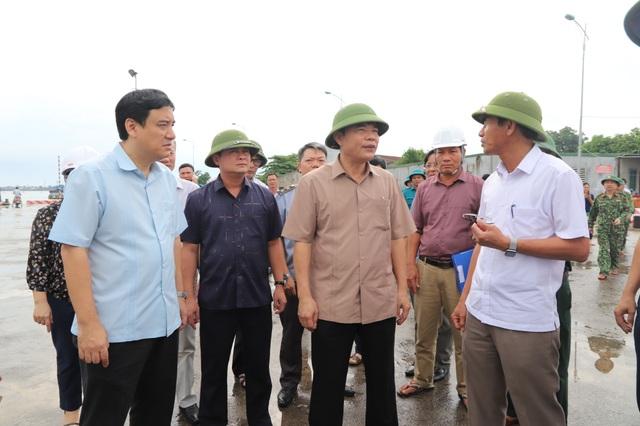 Bộ trưởng Nguyễn Xuân Cường kiểm tra công tác phòng chống bão số 4 tại Nghệ An - 1
