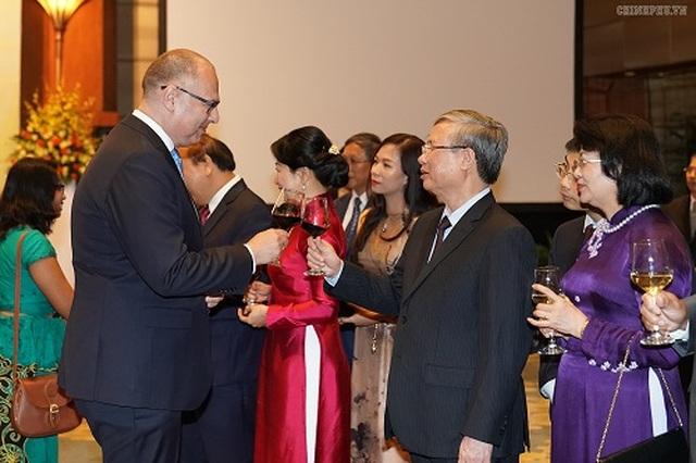 Thủ tướng: Người dân Việt Nam cháy bỏng khát vọng 'hòa bình và thịnh vượng' - 5