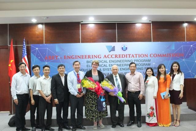 Hai trường ĐH Việt Nam có chương trình đạt chuẩn kiểm định của Mỹ - 1