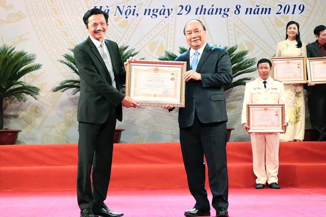 Thủ tướng: Tiếp tục rà soát các quy định về xét tặng danh hiệu nghệ sĩ - 8