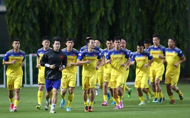 Văn Toàn nói điều bất ngờ về hàng thủ đội tuyển Thái Lan