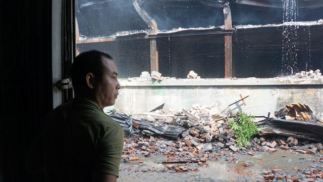 Binh chủng Hóa học có thể tẩy sạch chất độc quanh khu vực cháy Công ty Rạng Đông - 2