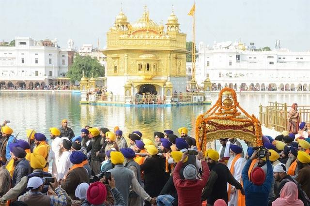 10 ngôi chùa vừa đẹp vừa linh thiêng ở Châu Á - 4