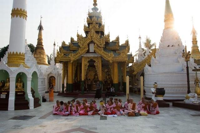 10 ngôi chùa vừa đẹp vừa linh thiêng ở Châu Á - 9