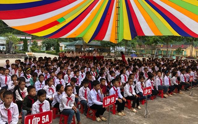 Hà Giang: Hàng trăm em học sinh vui mừng đón nhận lớp học mới trước ngày khai giảng - 2