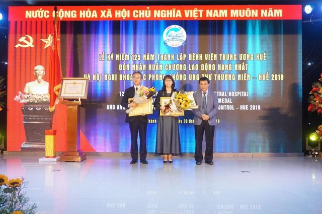 Bệnh viện Trung ương Huế đón nhận Huân chương Lao động hạng Nhất trong kỷ niệm 125 năm - 6