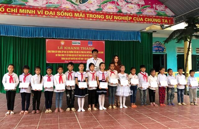 Hà Giang: Hàng trăm em học sinh vui mừng đón nhận lớp học mới trước ngày khai giảng - 12