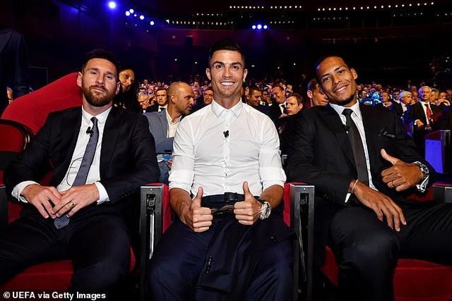 Vượt C.Ronaldo và Messi, Van Dijk giành giải Cầu thủ xuất sắc nhất châu Âu - 3
