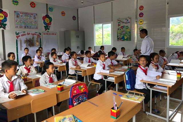 Hà Giang: Hàng trăm em học sinh vui mừng đón nhận lớp học mới trước ngày khai giảng - 3