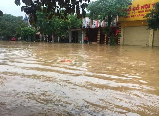 Thanh Hóa nhiều nơi ngập lụt, có chỗ nước lũ dâng cao cả mét - 8