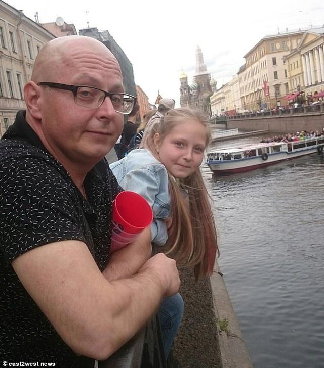Kinh hoàng bé gái chết tức tưởi vì bị hút vào máy bơm của bể bơi - 4