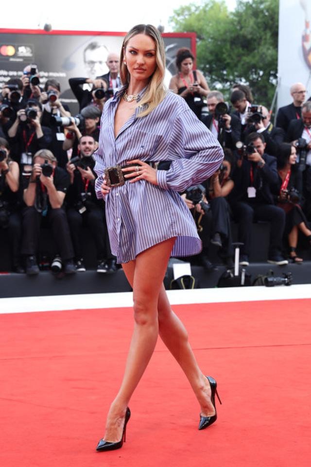 Candice Swanepoel mặc áo quên quần dự LHP Venice - 4