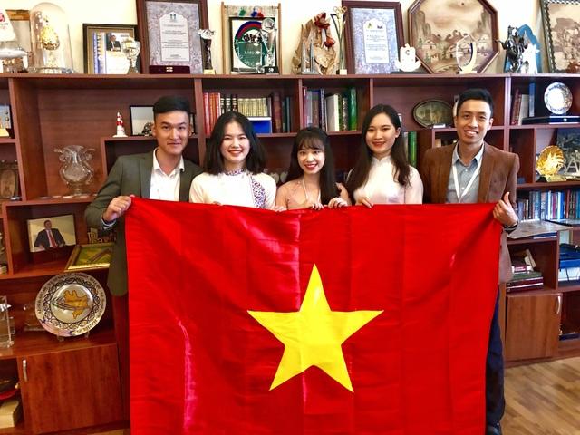 Đoàn Việt Nam nhận giải thưởng trong cuộc thi viết về Azerbaijan - 1