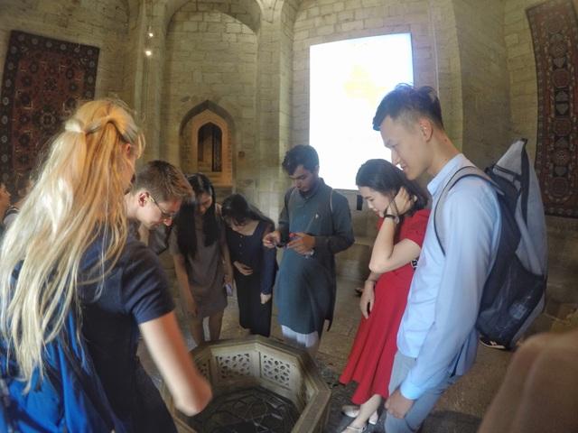 Đoàn Việt Nam nhận giải thưởng trong cuộc thi viết về Azerbaijan - 2