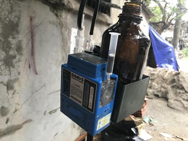 Hà Nội: Lấy mẫu không khí quanh khu vực vụ cháy Công ty Rạng Đông - 5