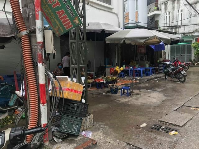 Hà Nội: Lấy mẫu không khí quanh khu vực vụ cháy Công ty Rạng Đông - 11