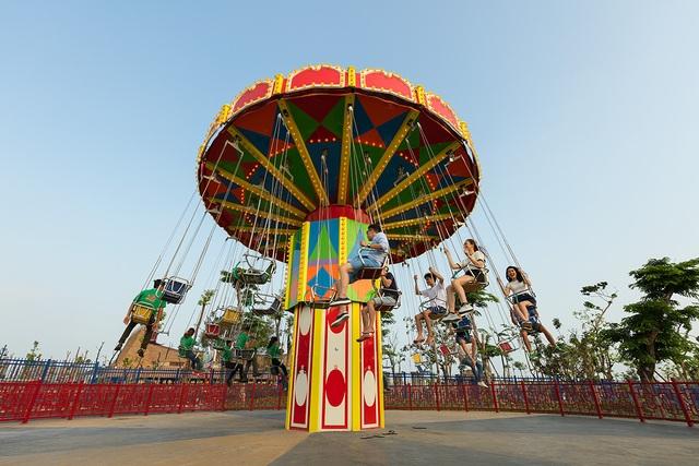 Cực shock dịp 2/9: Giá vé vào công viên Dragon Park và công viên nước Typhoon Water Park chỉ 100.000 đồng - 1
