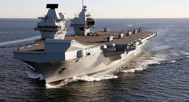 Tàu sân bay 4 tỷ USD của Anh một tuần bị lụt một lần - 1