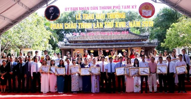 67 cá nhân, tập thể nhận giải Phan Châu Trinh 2019