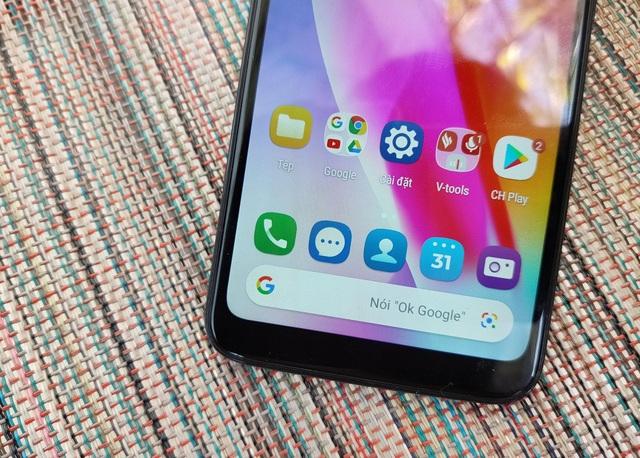 Cận cảnh smartphone dùng chip Snapdragon 215 đầu tiên của VinSmart - 4