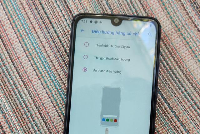 Cận cảnh smartphone dùng chip Snapdragon 215 đầu tiên của VinSmart - 8