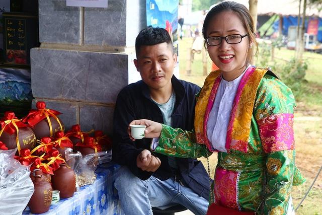 Phiên chợ vùng cao đầy màu sắc ở Hà Nội - 7