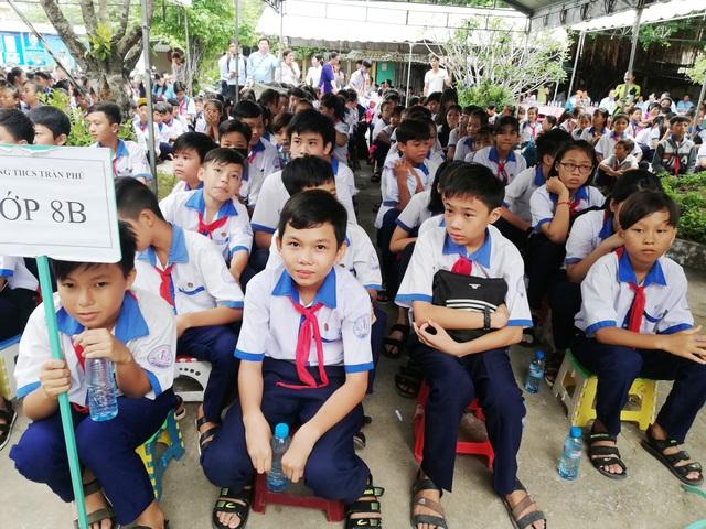 Cà Mau: Không lợi dụng hoạt động Hội Cha mẹ học sinh để đặt các khoản thu ngoài quy định - 1
