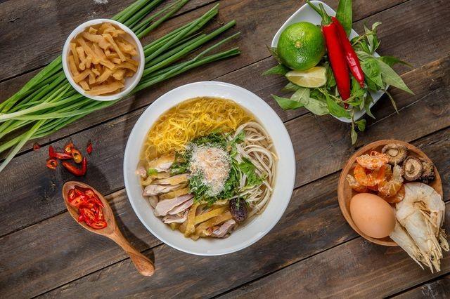 """10 món ngon khó cưỡng ở Hà Nội, đến khách Tây cũng """"mê như điếu đổ"""" - 4"""