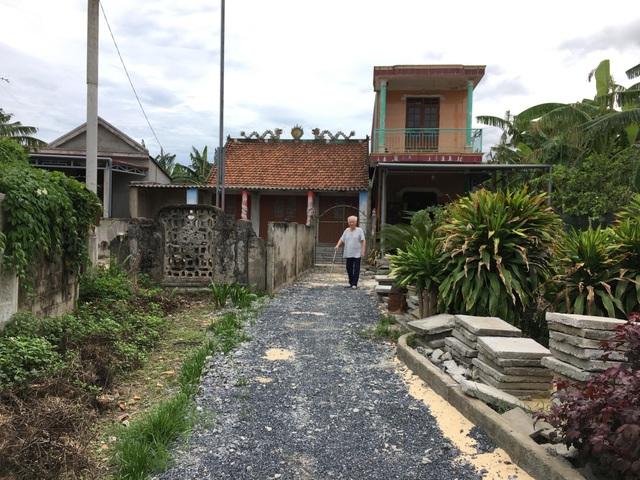 Quảng Bình: Gia đình Mẹ Việt Nam anh hùng kêu cứu vì bị phá đường vào nhà! - 1