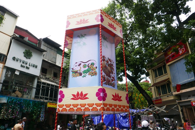 Đông nghịt người đi chơi chợ Trung thu phố cổ Hà Nội - 1