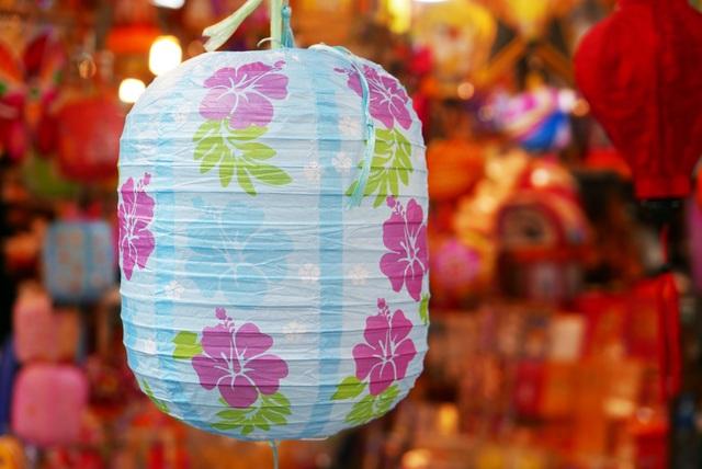 Đông nghịt người đi chơi chợ Trung thu phố cổ Hà Nội - 6