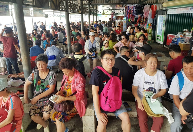 Khánh Hòa đón hơn 5,6 triệu lượt khách lưu trú trong 9 tháng - 1