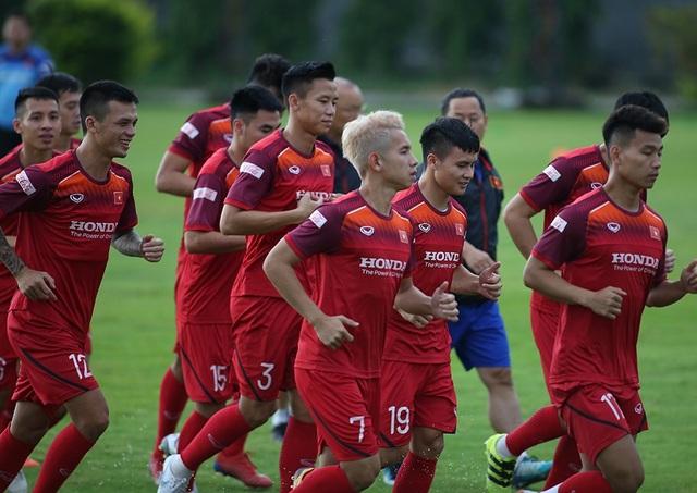 HLV Park Hang Seo chốt danh sách đội tuyển Việt Nam: Hà Minh Tuấn bị loại - 1