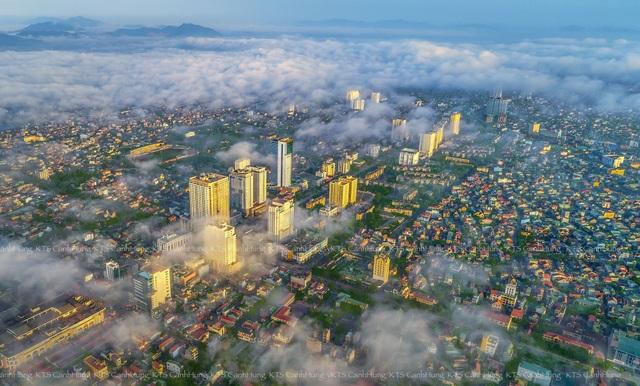 Phó Thủ tướng Vương Đình Huệ chủ trì hội nghị về phát triển thành phố Vinh - 4